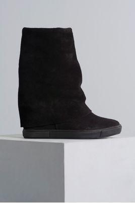 1_Sneaker_Bethany_Mundial