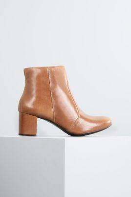 1_Ankle_Boot_Salto_Medio_Aryane_Mundial_CR_CARAMELO