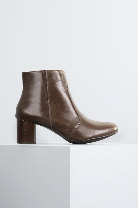 1_Ankle_Boot_Salto_Medio_Aryane_Mundial_CR_CAFE