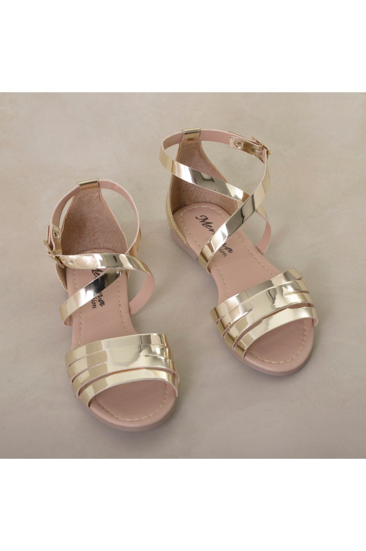 26a492f229 Sandália Infantil Menina Fashion Dorih