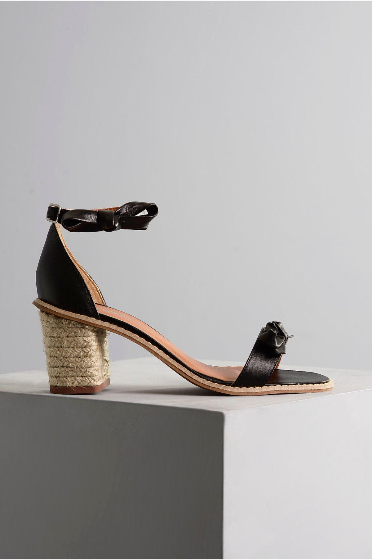 a983e3374 Sandália Feminina Salto Médio Martha Mundial PRETO - Mundial Calçados
