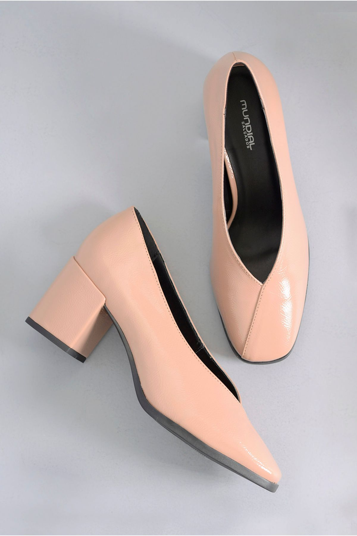 23513a401 Sapato Feminino Salto Médio Leigh Mundial VERNIZ - NUDE - Mundial ...