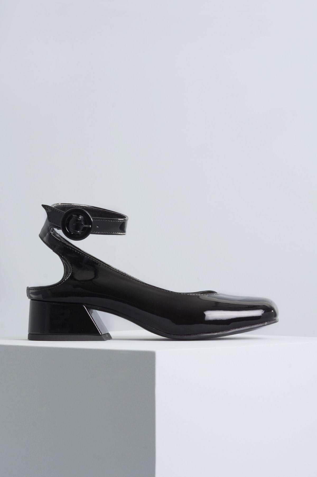 511d893b3 Sapato Feminino Salto Baixo Margot Mundial VERNIZ PRETO - Mundial ...