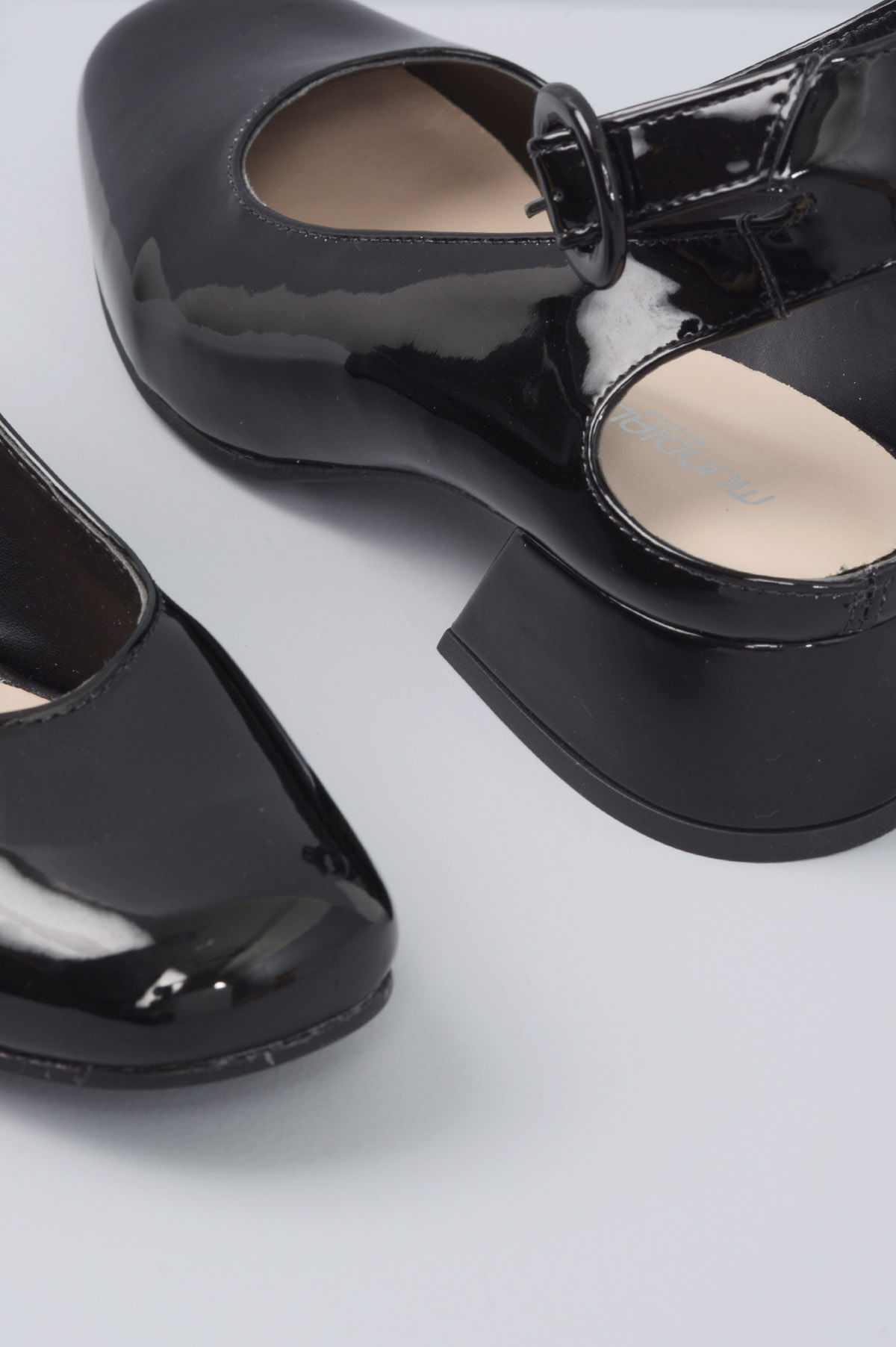 bda932ee5f Sapato Feminino Salto Baixo Margot Mundial VERNIZ PRETO - Mundial ...