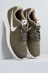 1_Tenis_Masculino_Nike_Tanjun_SE_TEC_CAQUI