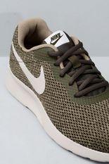 3_Tenis_Masculino_Nike_Tanjun_SE_TEC_CAQUI