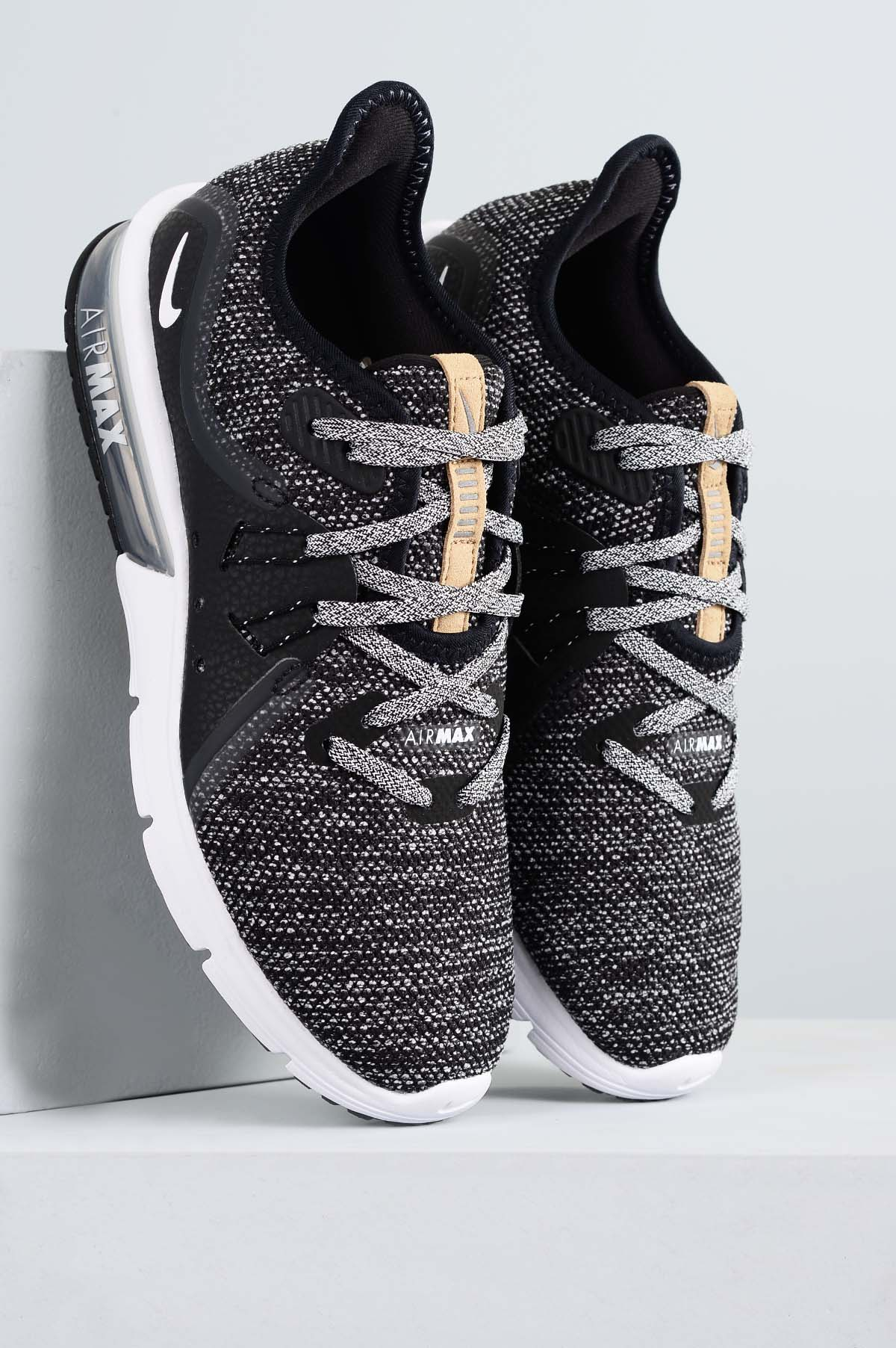 huge selection of d8c6b d8365 Tênis Feminino Nike Air Max Sequent 3 TEC - PRETO - Mundial Calçados