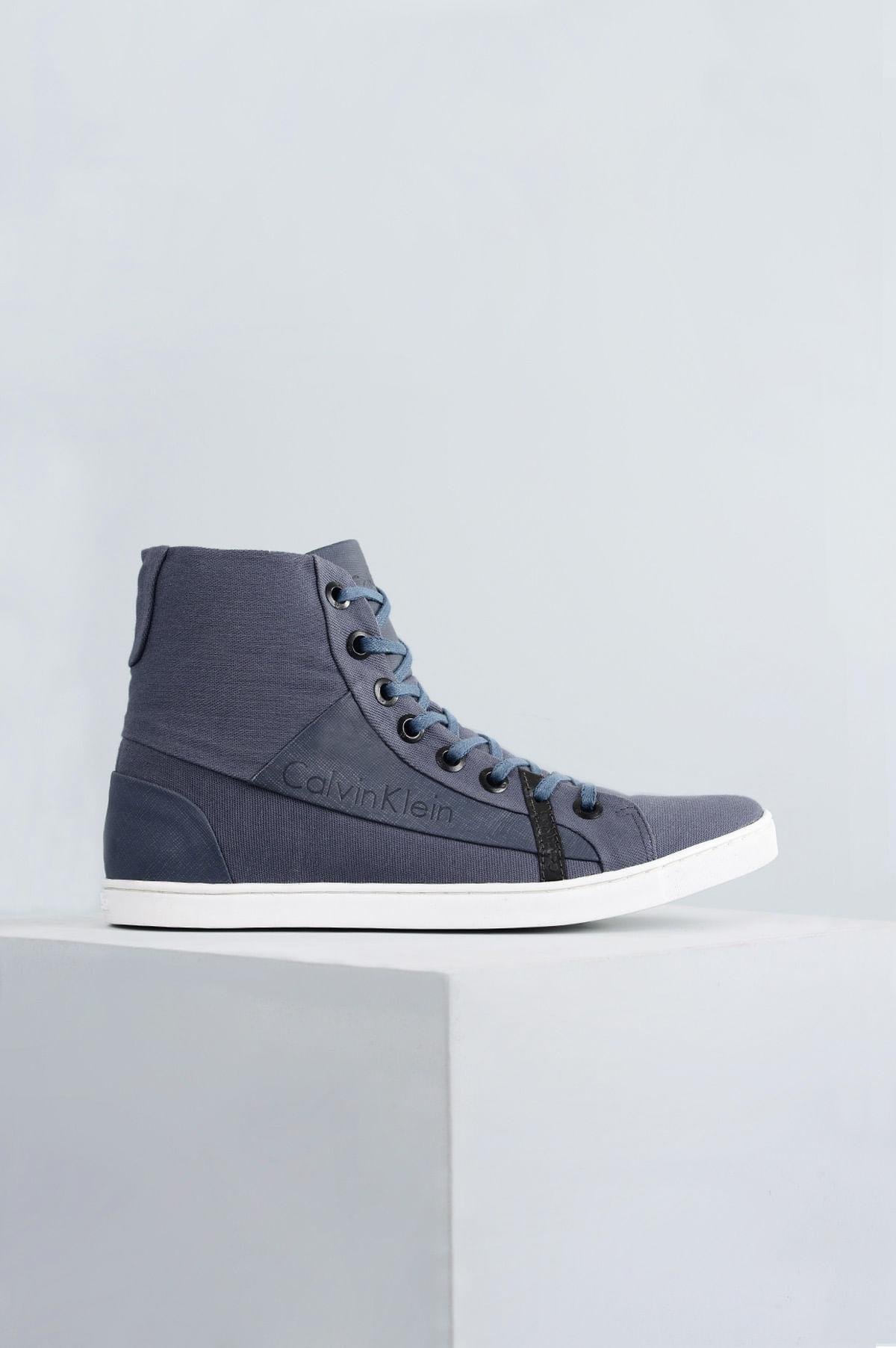 Bota Calvin Klein 3D   Mundial Calçados - Mundial Calçados 973c10a2ef