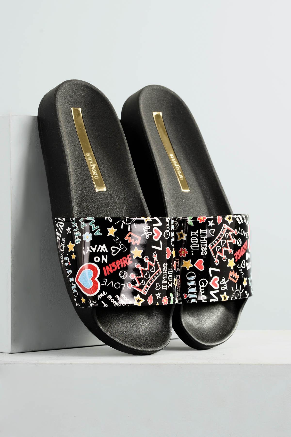 40e76f477b Chinelo Feminino Fuchsia Moleca VERNIZ PRETO - Mundial Calçados