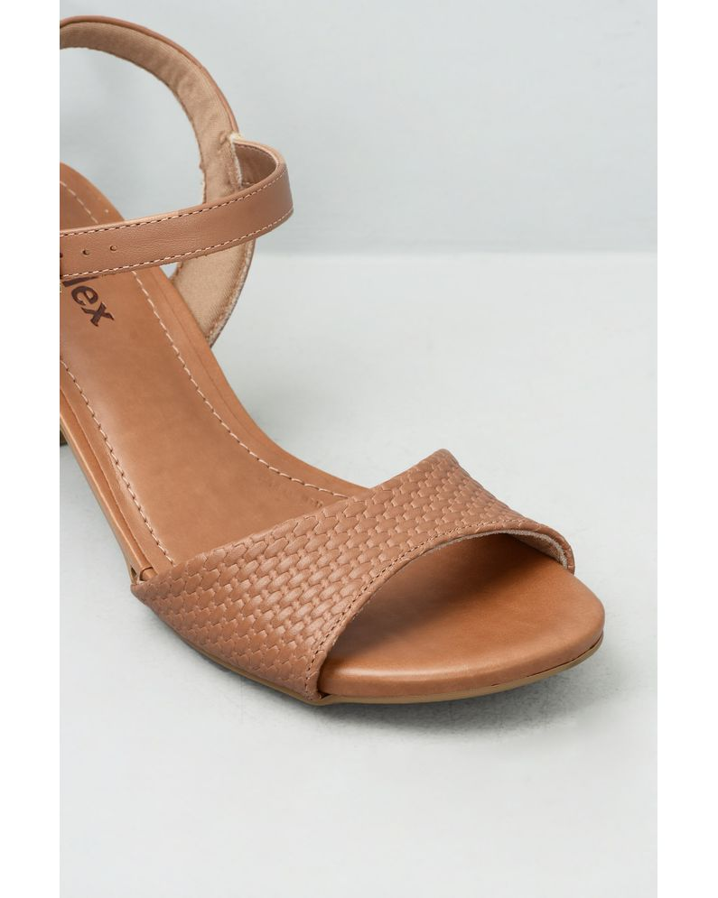 e807827fc Sandália Feminina Salto Alto Dyane Usaflex CR-CAMEL - Mundial Calçados