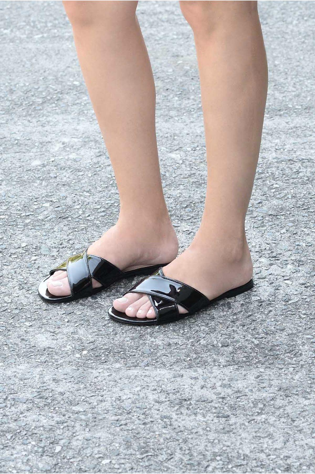 7d5c8098b Chinelo Feminino Nuby Via Marte VERNIZ PRETO - Mundial Calçados