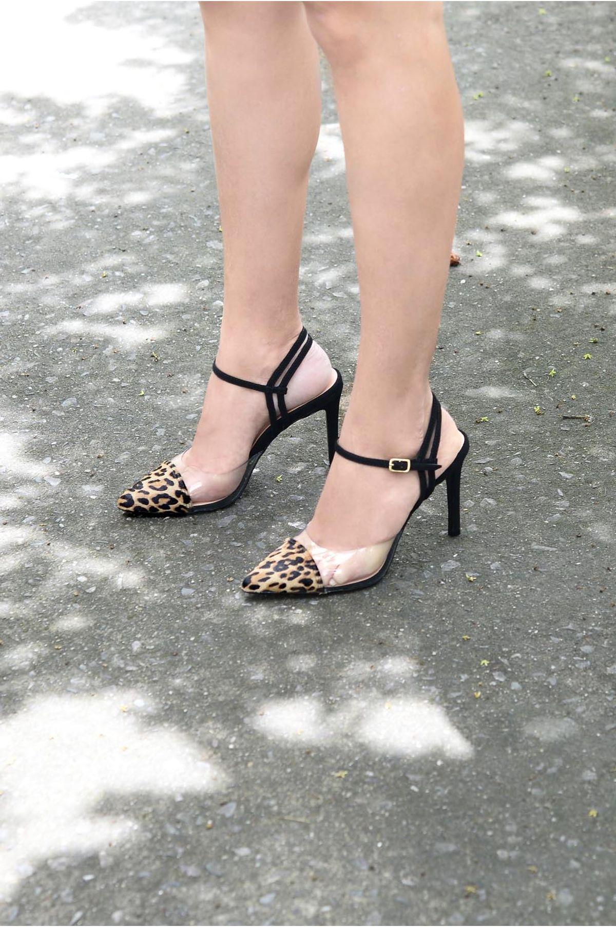 17b980b80 Sapato Salto Alto Dan Mundial PELO - ONCA - Mundial Calçados