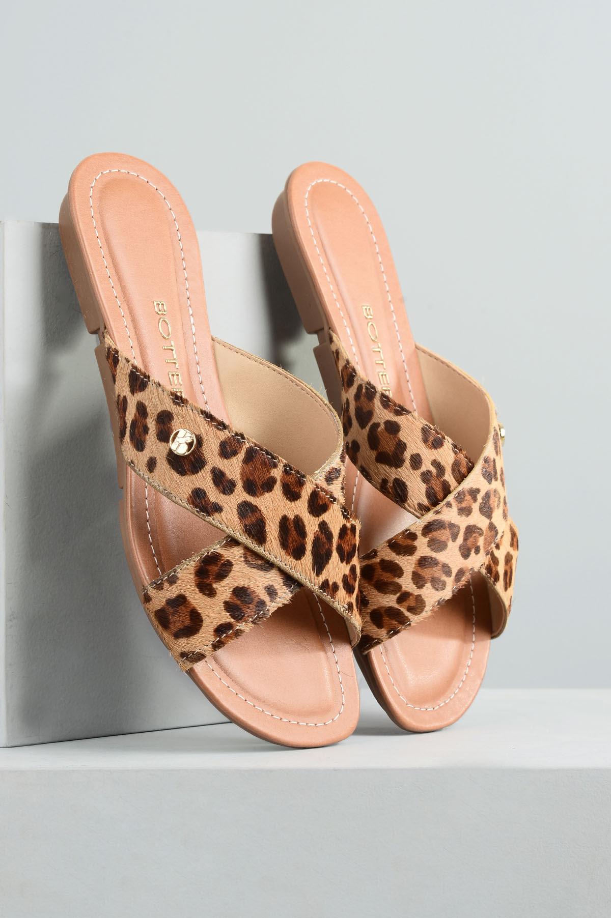8bf64379b9 Chinelo Feminino Lorey Bottero PELO - ONCA - Mundial Calçados