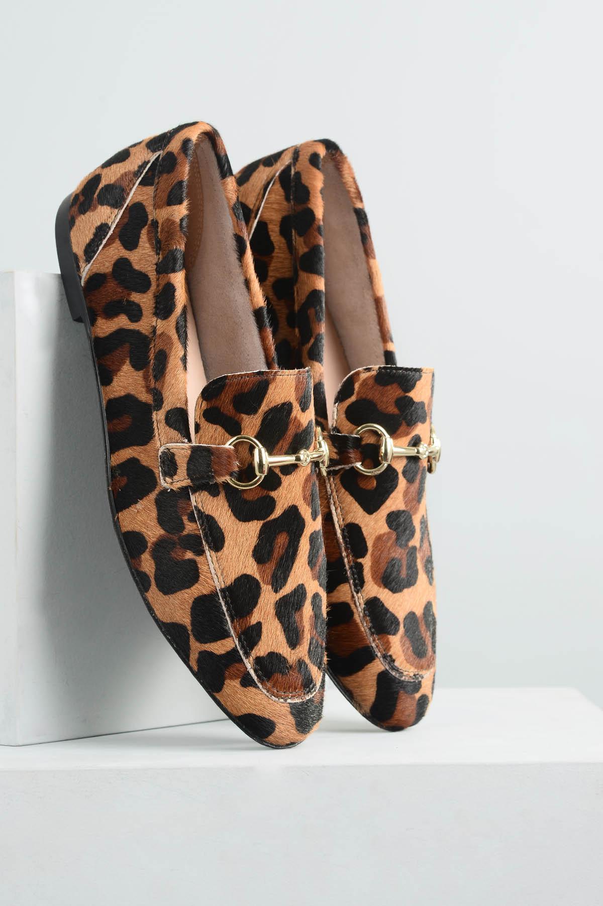066b83ce70 Mocassim Feminino Milany Mundial PELO - ONCA - Mundial Calçados