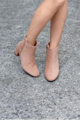 4_Ankle_Boot_Salto_Medio_Angel_Vizzano_NB_CAMEL
