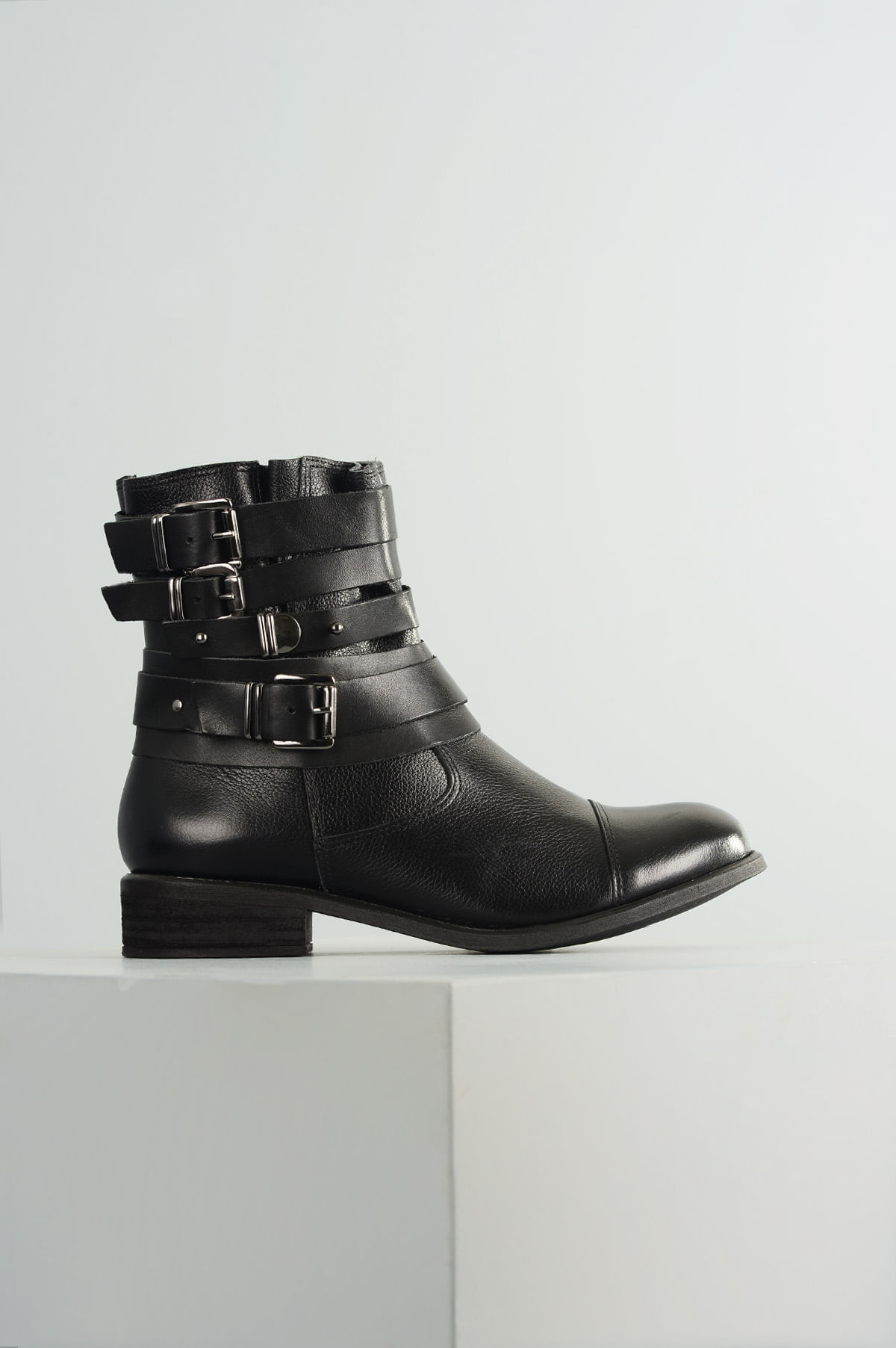 5d36a34d560 Bota Feminina Cano Médio Mantis Mundial CR-PRETO - Mundial Calçados