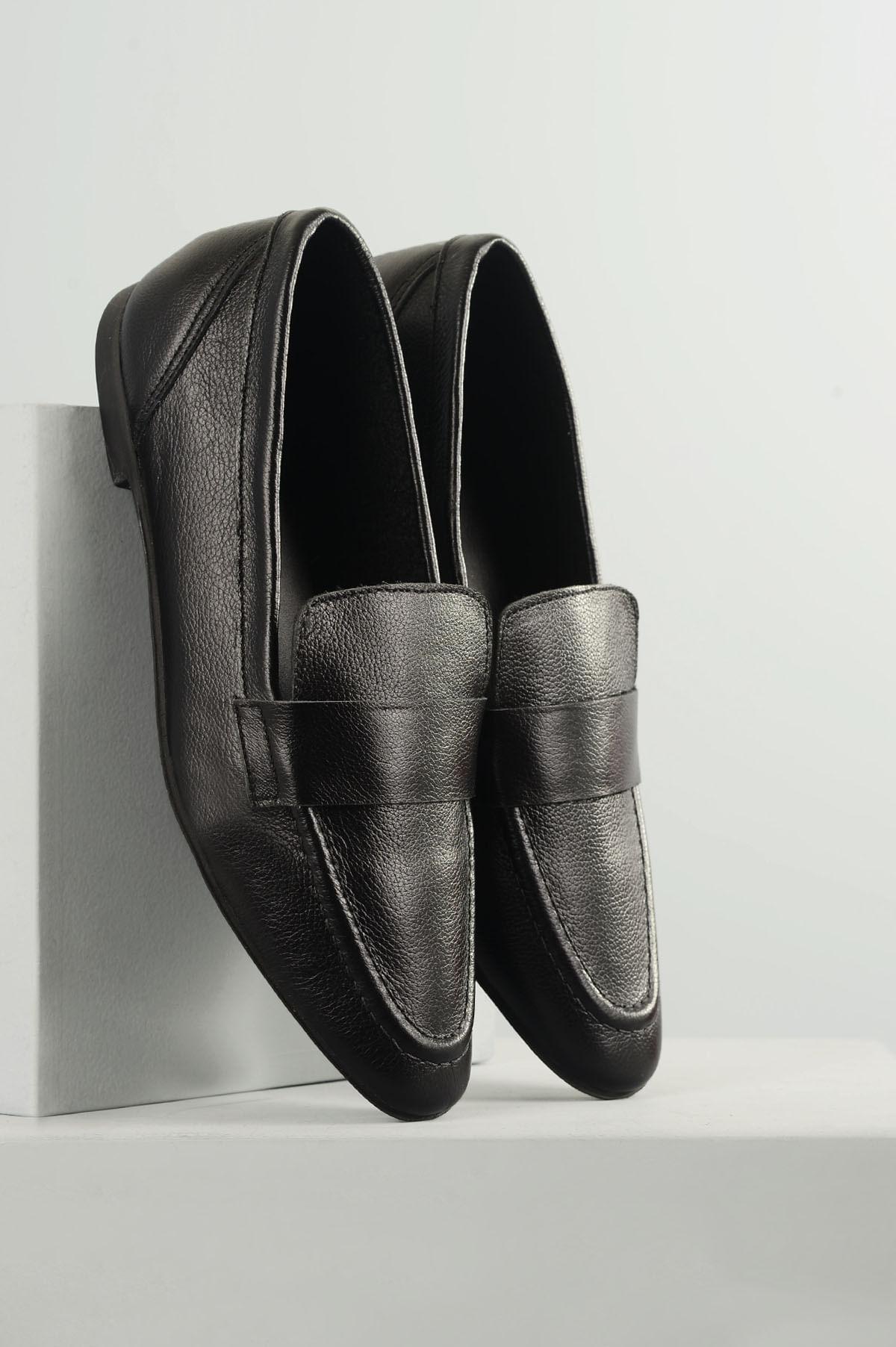 2f8701ec0b Mocassim Feminino Charlize Mundial CR-PRETO - Mundial Calçados