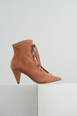1_Ankle_Boot_-Feminino_Ravena_-Mundial_CAM_-CARAMELO