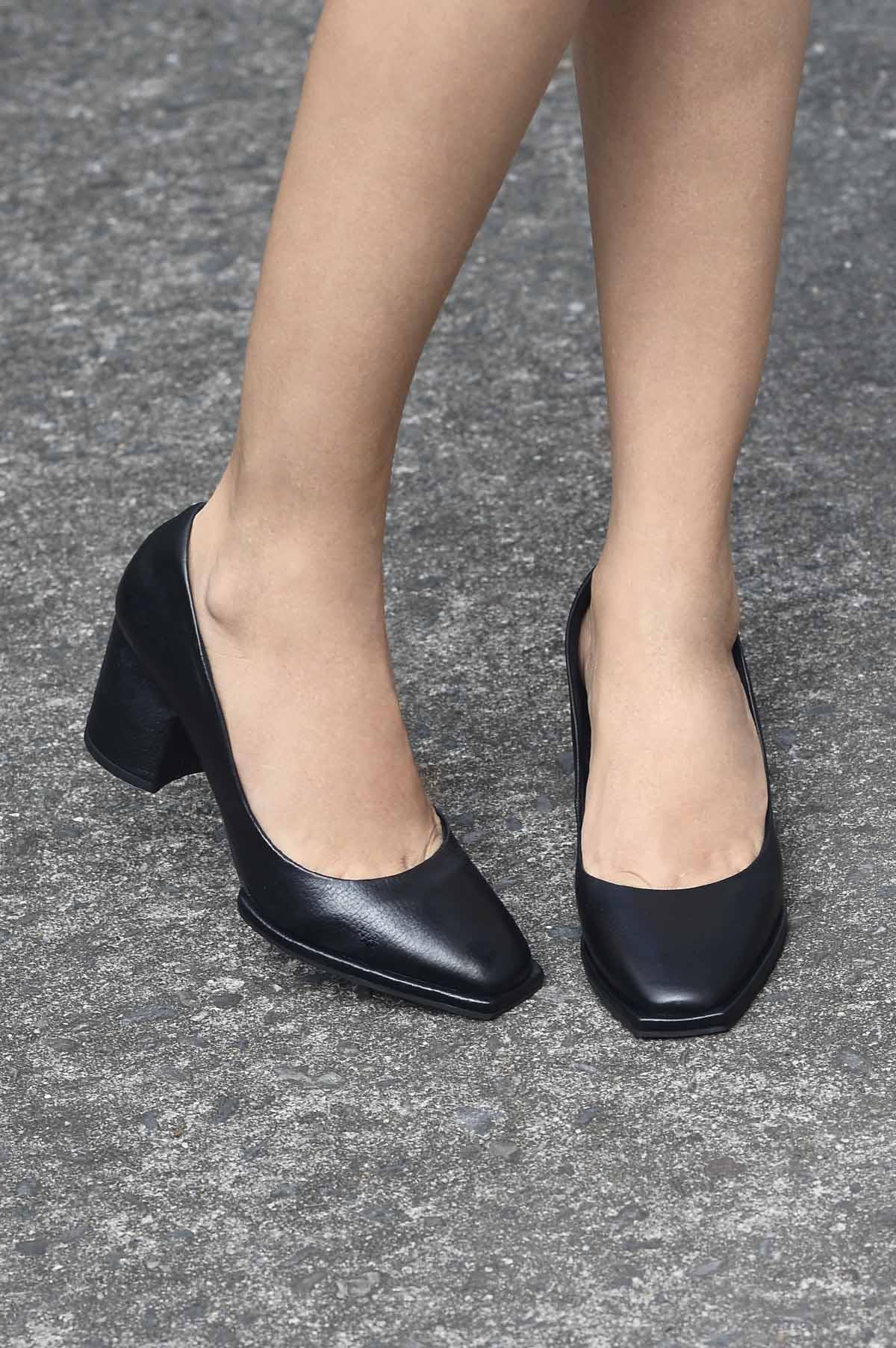 f07695cbf5 Sapato Feminino Salto Alto Berye Mundial CR-PRETO - Mundial Calçados