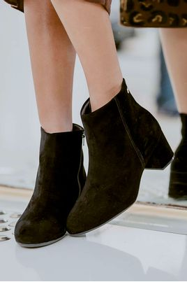 4_Ankle_Boot_Salto_Medio_Angel_Vizzano_NB_PRETO
