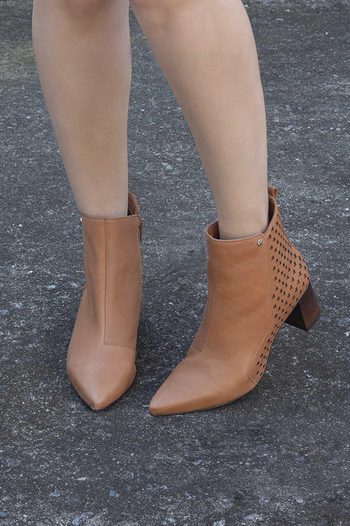 6122e47331 Ankle TANARA Boot Salto Médio Couro Preto - Mundial Calçados