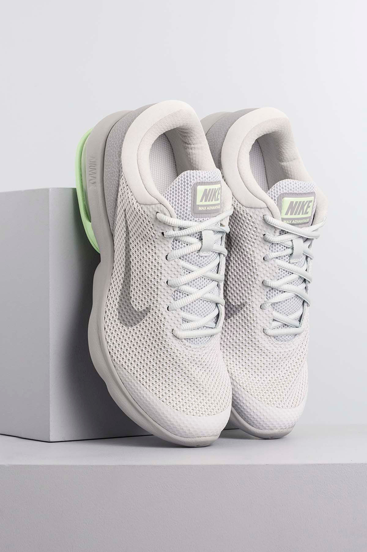 Tênis Feminino Nike Air Max Advantage Tec Branco Mundial