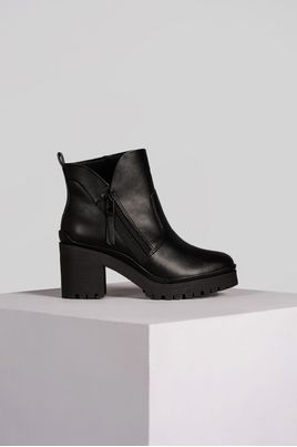 1_Bota_Feminina_Ankle_Boot_Wendy_Ramarim_SINT_PRETO