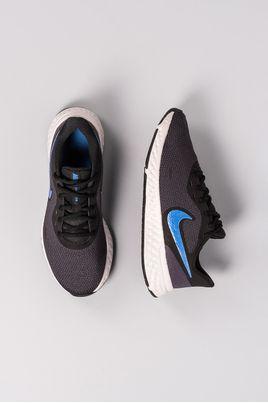 2_Tenis_Nike_Revolution_5_TECIDO_CHUMBO