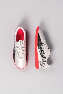 2_Chuteira_Futsal_Nike_Mercurial_Vapor_13_Club_NJR_SINT_PRATA