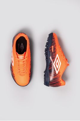 2_Chuteira_Society_Umbro_Burn_Jr_SINT_CORAL