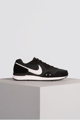 1_Tenis_Nike_Venture_Runner_TEC_PRETO
