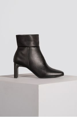 1_Ankle_Boot_Feminina_Besy_Mundial_CR_PRETO